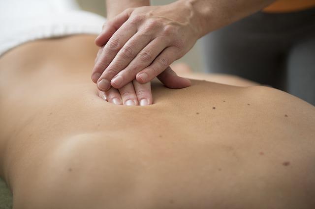 massage 3795693_640